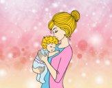 Desenho Mãe levando o bebê pintado por camilaS2