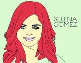 Selena Gomez sorrindo