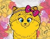 Uma gatinha com laço